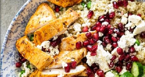 Read more about the article Mediterranean Chicken & Quinoa Salad